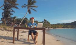 Aaron Airs: Aaron Airs vanuit de Grenadines